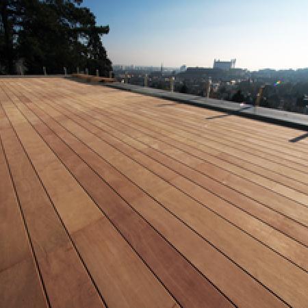 Lame de terrasse en Hévéa Deck